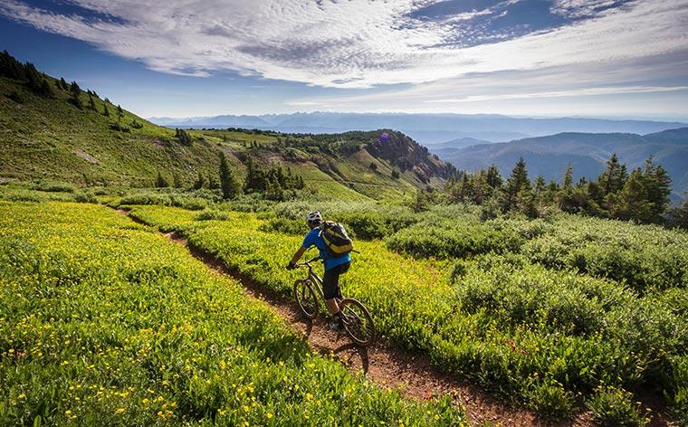 Nouse satulaan: Kauniit pyöräilyreitit eri puolilla maailmaa