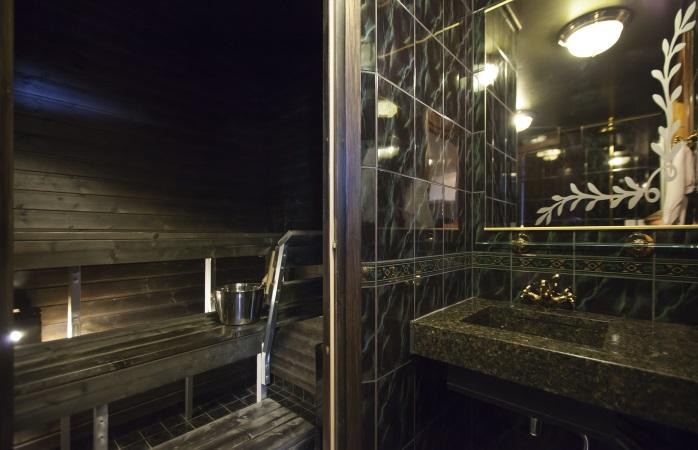 Hotellihuone Saunalla