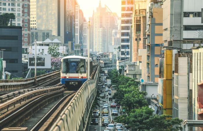 Julkinen liikenne itsessään on Bangkokissa nähtävyys