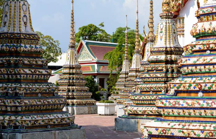 Bangkokin nähtävyydet -listan kärjessä on Wat Pho -temppeli