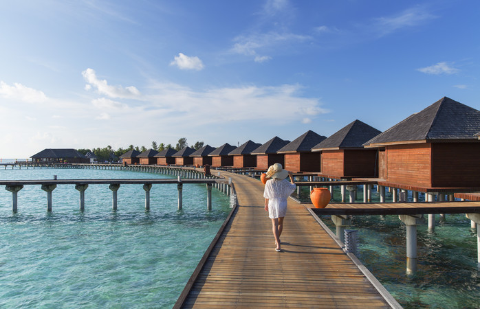 Olhuveli resort Malediiveilla, joka kuuluu suomalaisten kasvaviin matkailutrendeihin