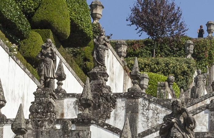 Braga on henkeäsalpaavan kaunis ja mäkinen kaupunki