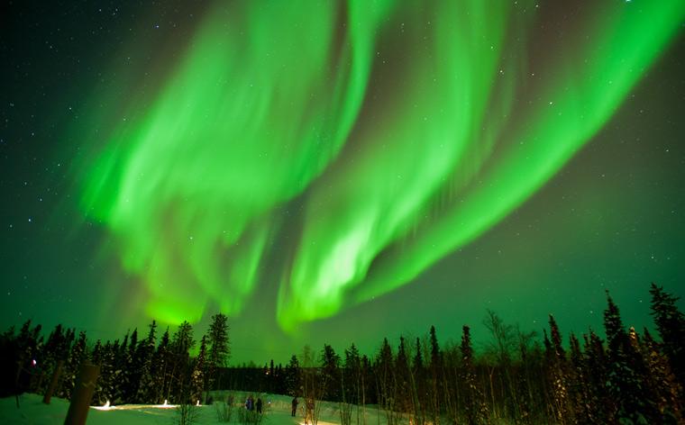 Taianomainen yötaivas: parhaat paikat revontulien katseluun