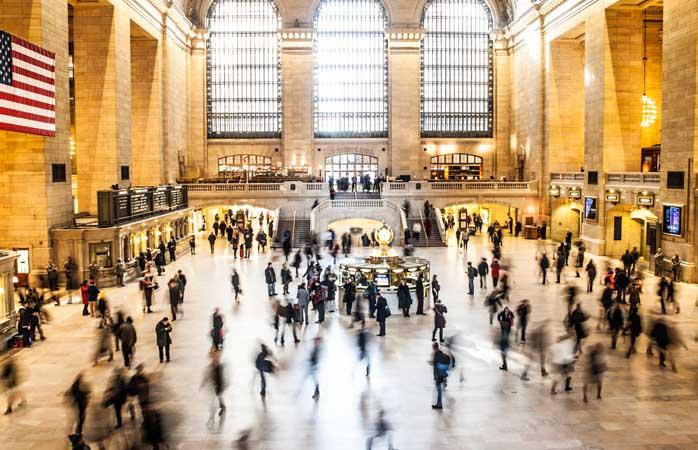 Kaaos Grand Central Terminalissa.