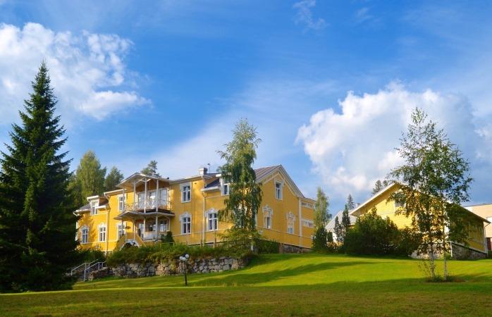Kartanohotelli Karolineburg on Kainuun ainoa varsinainen kartano